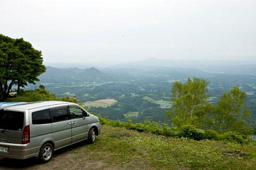 頂上まで車で行けます