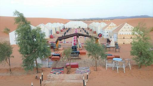 サハラ砂漠「ラグジュアリーテント」に1泊します