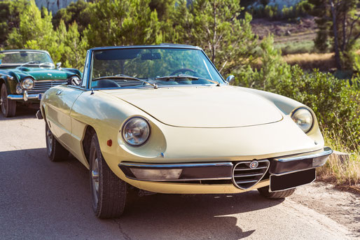 Location de cabriolets vintage en Provence : Alpha Roméo Spider 2000