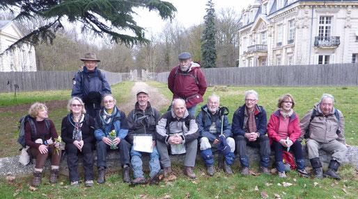 Le groupe avec Bernard (photo prise par Guy)