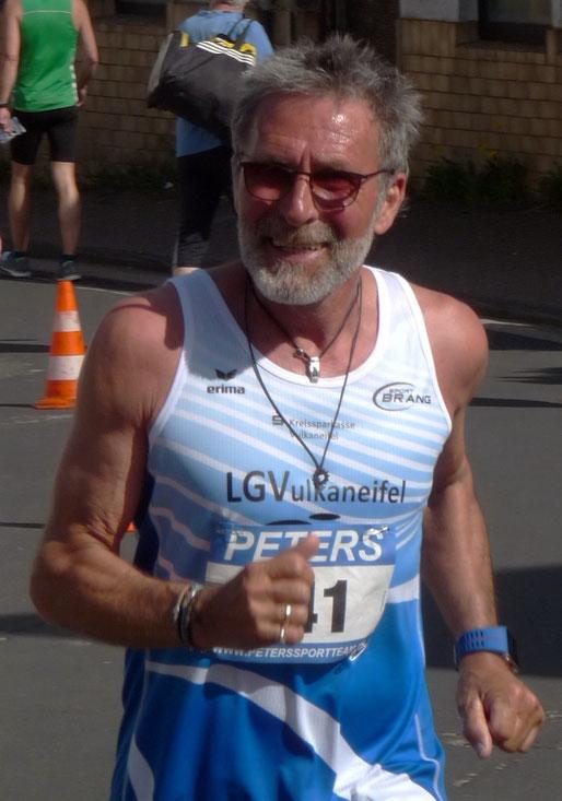 Hans Kaiser aus Kelber ist in der Deutschen Seniorenbestenliste über 200 & 400 m vertreten