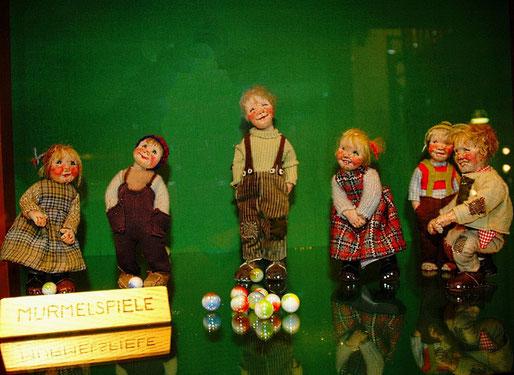 Puppen von Elli Riehl, Treffen bei Villach, Österreich
