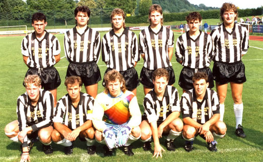 Die Fußballmannschaft des SVK beim Bensmann Cup 1993