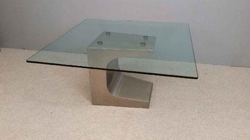 A venir Niemeyer Table inox et verre édition estel 1985 140 x 140 cm