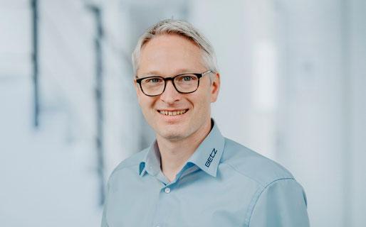 Ueber uns Ansprechpartner Voll Timo Kurt Betz GmbH Vertrieb Maschinenbau Studium Heilbronn Einzelteilfertigung Abisoliermaschine