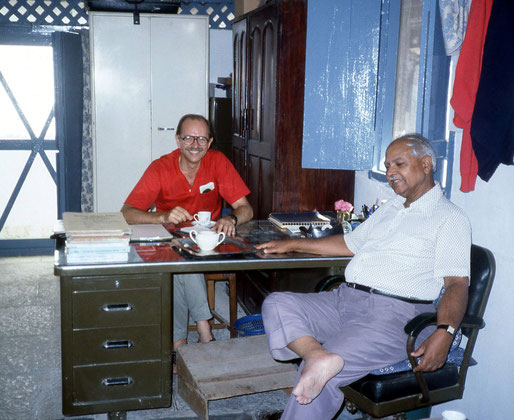 Trust Compound, Ahmednagar, India - John with Bhau Kalchuri in his room.
