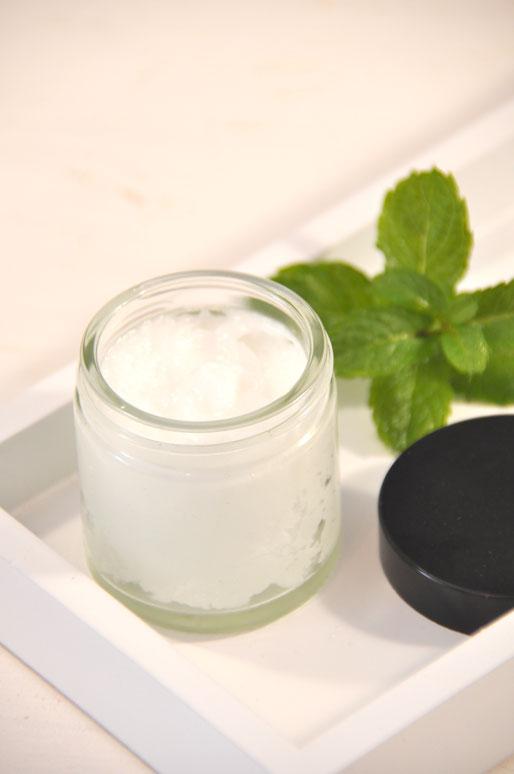 Kopfschmerzsalbe selber machen aus Kokosöl und Pfefferminzöl oder Wachs und Pfefferminzöl im Thermomix, Salbe hilft bei Spannungskopfschmerzen