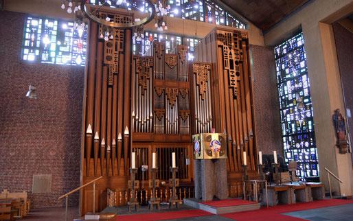 Lobback-Orgel in St. Peter und Paul Garrel