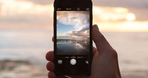 Webdesigner für Internetseiten in Aschaffenburg / Webdesign für Landingpage in Aschaffenburg / Smartphones drängen kleine Fotokameras aus dem Markt