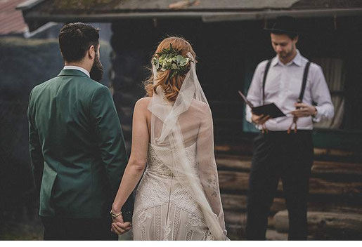 Melanie Höld, Strauß und Fliege, Johann-Jakob Wulf, Freie Trauung, Hochzeit, heiraten, München, Hochzeitsredner, Bayern