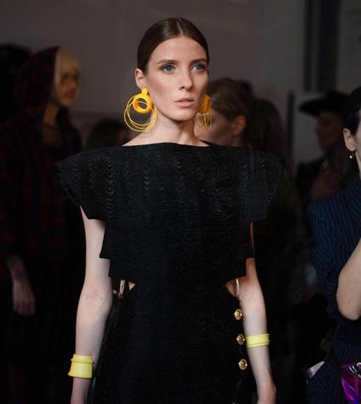 Nobahar-Design-Milano-contemporary-design-jewelry-hoops earrings-benjamin decaesteker