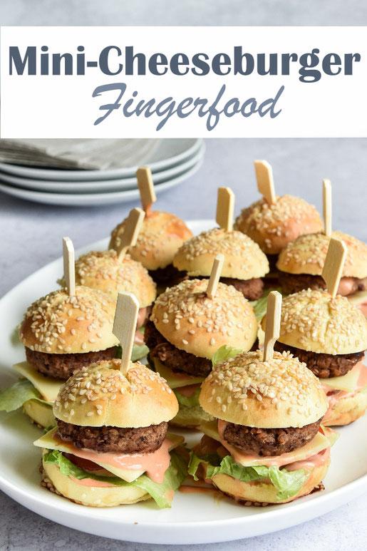 Mini Cheeseburger als Fingerfood, vegetarisch, vegan machbar, mit selbst gemachten Burger Buns, Patties aus Kidneybohnen, super für Buffet, Party, Geburtstagsparty, Sommerfest, Einschulungsbuffet etc. Thermomix Rezept