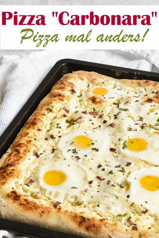 Pizza einfach mal anders, als Carbonara Pizza, mit dem Lieblings-Pizzateig und statt Tomatensoße mit einer Schmandcreme. Als Belag Eier und vegetarische Schinkenwürfel, z.B. mit dem Thermomix