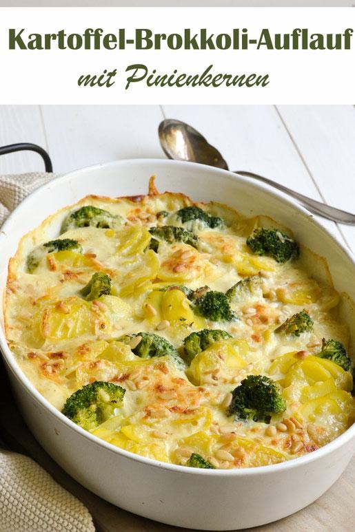 Kartoffel Brokkoli Auflauf mit Pinienkernen, gebacken in einer Soße aus Sahne und Milch, mit Käse überbacken und mit Pinienkernen bestreut, vegetarisch, aber auch vegan möglich, Thermomix