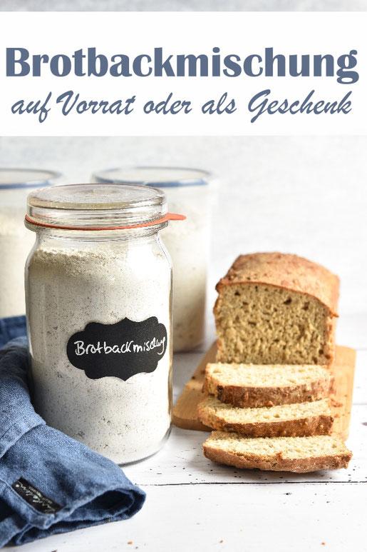 Brotbackmischung auf Vorrat oder als Geschenk selbst gemacht, aus Roggen und Dinkel, man muss nur warmes Wasser und einen Schuss Essig zufügen, in eine Kastenform füllen und schiebt das Brot in den heißen Ofen