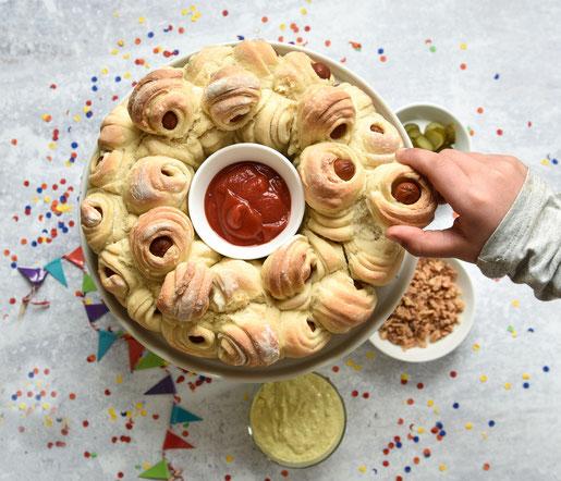 Pizza Partybrot mit Hot Dog Würstchen, zum Abzupfen