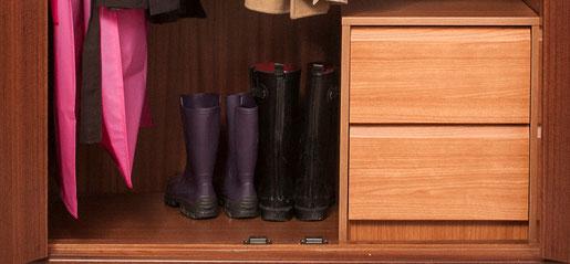 Despeja el suelo del armario y deja sólo las botas - AorganiZarte