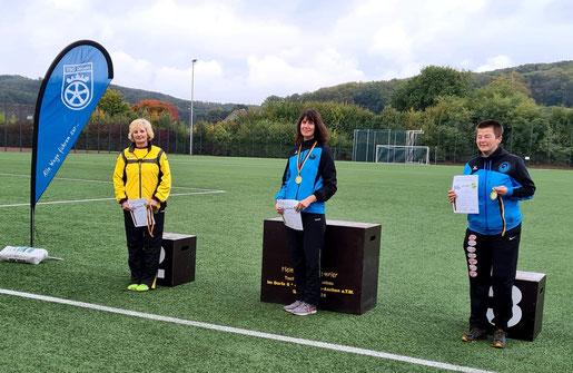 Unsere erfolgreichen Damen (Mitte: Kristina Telge - rechts: Silke Meier)!
