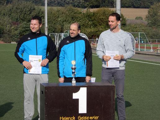 Siegreich war auch die M-30-Mannschaft mit Hendrik Szabó (links), Stefan Münch und Andreas Schäfer.