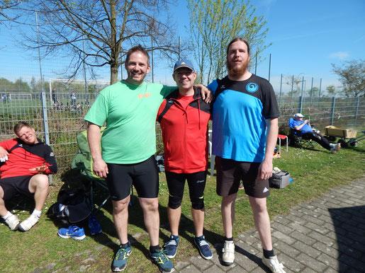 Links Holger Karch, an diesem Tag erneut sehr stark, daneben Damiel Sommerhalten, flankiert von Ruben Loew, die beide ebenfalls sehr erfolgreich waren.