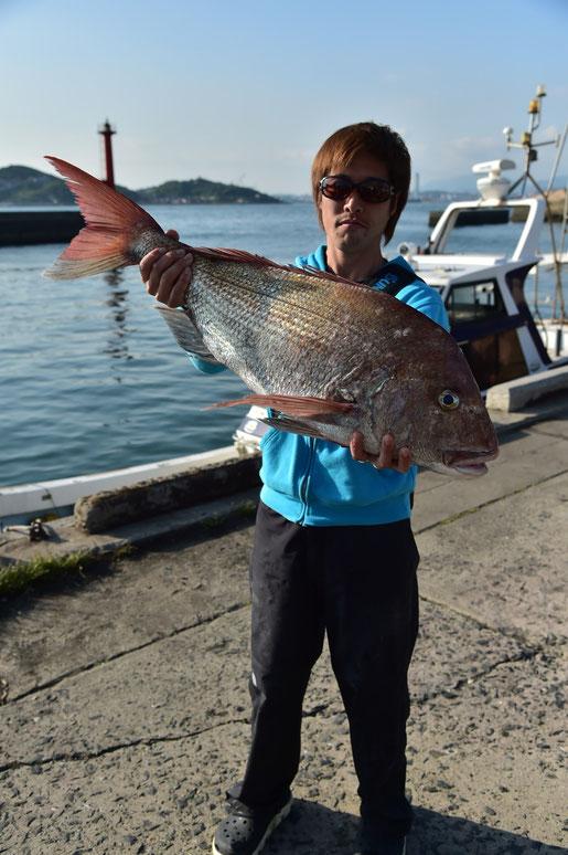 大物賞、 真鯛一匹重量 6840g