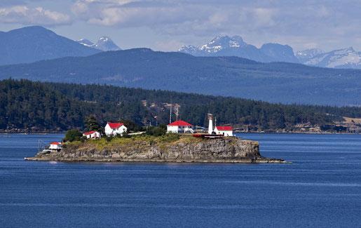 Chrome Island lighthouse off Vancouver Island.