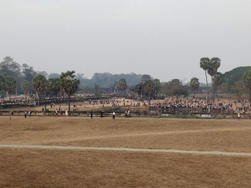 6h35, l'armée des touristes est déjà là