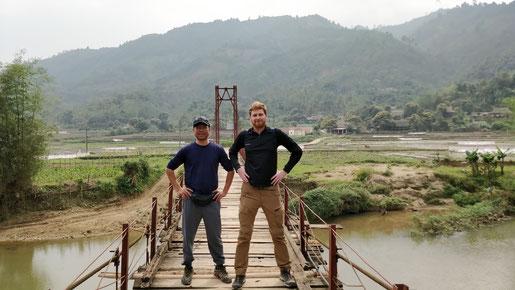 Notre guide, Long & Mr Gloubi