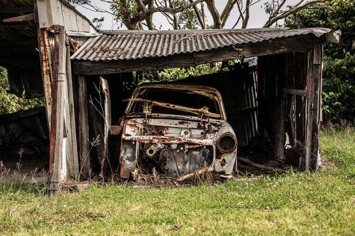 Winterlager für Oldtimer, alte Garage als Unterstellplatz für alte Autos