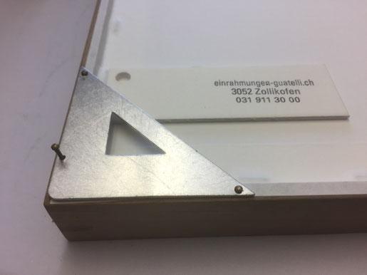 Bildaufhänger Alu - Lochung kann dem Rahmen angepasst werden