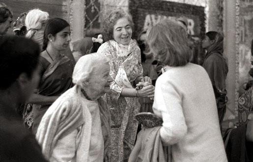Jan.1976, U.Meherabad, India - Elizabeth, Mani Irani & Jane Haynes