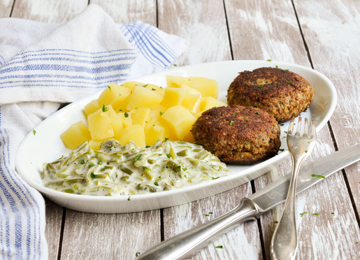 Schnibbelbohnen mit Kartoffeln und Frikadellen, vegetarisch, Klassiker von Oma, Mittagessen, Thermomix