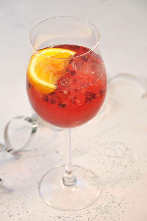 Granatapfel Spritz mit Prosecco, Granatapfel-Sirup, Tonic Water