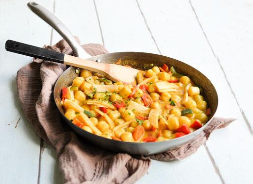 Thai Curry Gnocchi ungewöhnliche Kombination aber passt super zusammen, Gemüse ist variabel, all in one Thermomix Rezept vegan