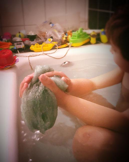 Selbst gemachter Slime zum Baden, Thermomixrezept