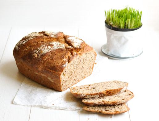 Brot mit Schnittlauch aus Dinkelmehl selbst gemacht vegan möglich z.B. aus dem Thermomix