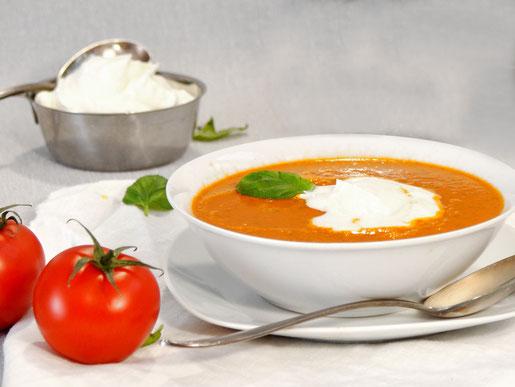 Tomaten Suppe  mit Gin Sahne aus dem Thermomix vegan möglich