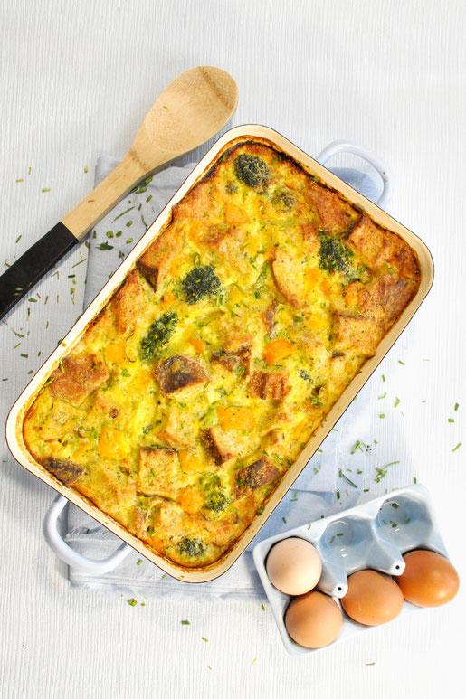 Omelette Brotauflauf, Langschläfer Frühstück, Katerfrühstück, Brunch, gut vorzubereiten