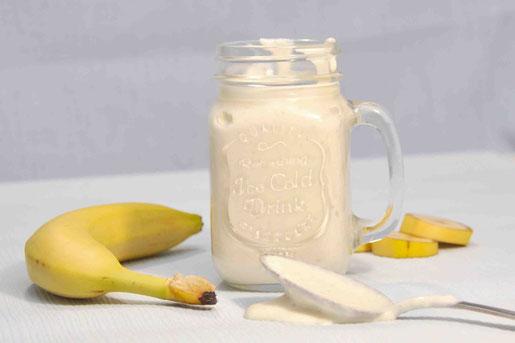 Schneller Quark aus Bananen, Magerquark und Joghurt als Dessert oder Abendessen für Kinder, Kleinkinder und auch Erwachsene