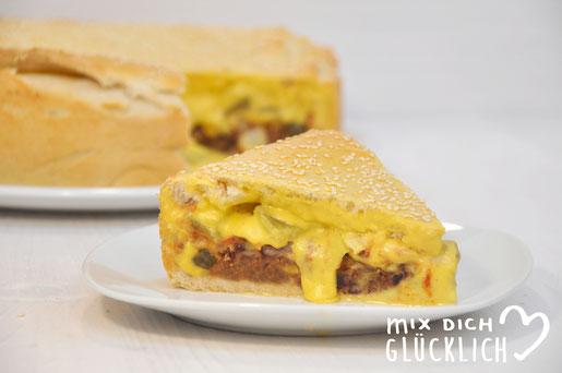 XXL Veggie Burger à la Cheeseburger Kuchen - das Knaller Rezept in vegetarisch bzw. vegan