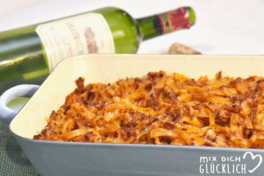Nudelauflauf mit Rotwein für ein ganz leckeres Aroma mit Bandnudeln Veggie Hackfleisch vegan möglich