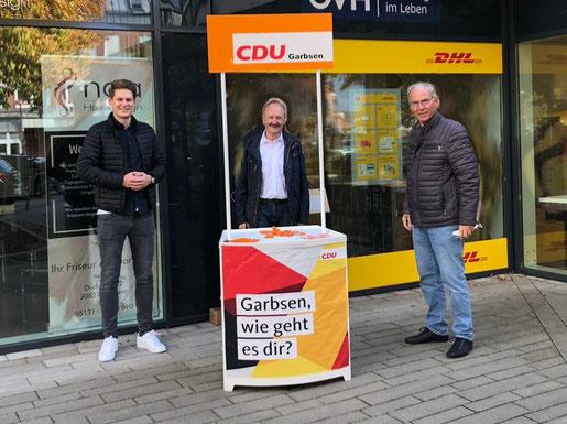 Von links nach rechts: Adrian Voigt, Klaus Hasselhorst und Gunther Koch (Quelle:  Philipp Salinski/JU Garbsen)