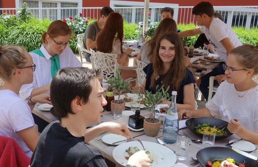 entspannte Mittagspause und gutes Essen