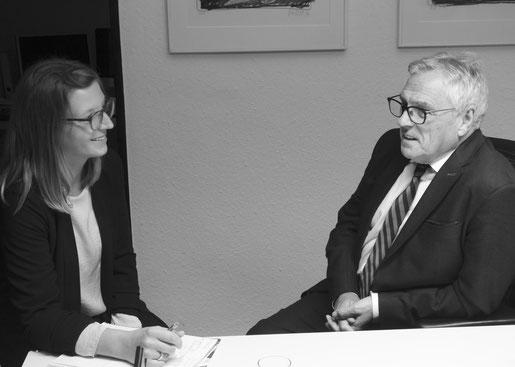 Miriam Schreier von Breidenbach mit Gespräch mit Dr. Phil Jarvis