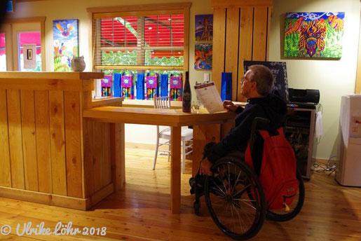 The Vibrant Vine hat sogar beim Tasting an Rollstuhlfahrer gedacht