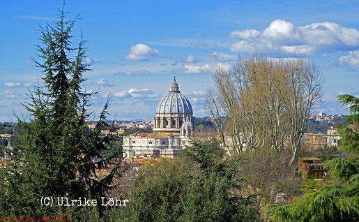 Petersdom, von der Piazzale Garibaldi aus gesehen