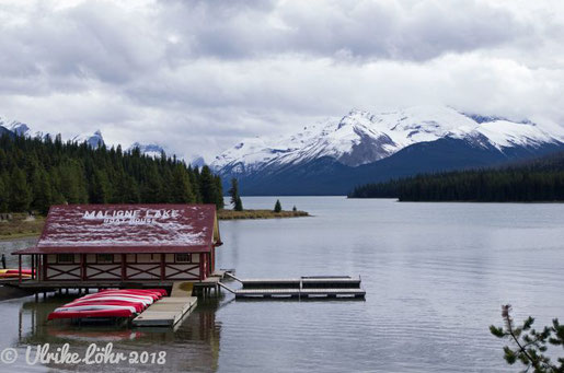 Bootshaus am Maligne Lake