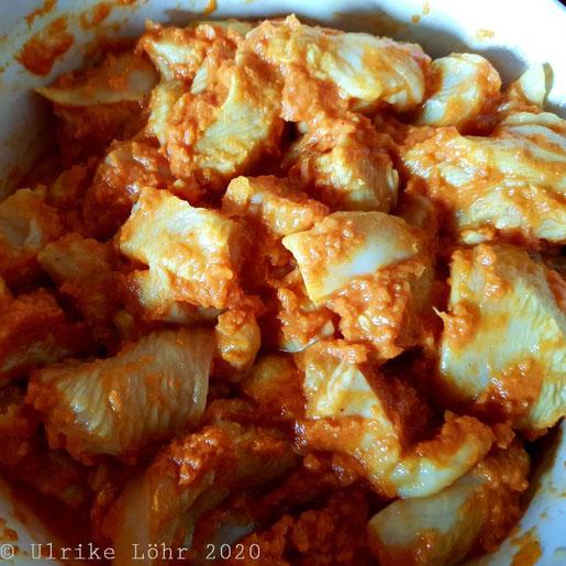 Hähnchenfleisch für Chicken Tikka Masala in der Marinade
