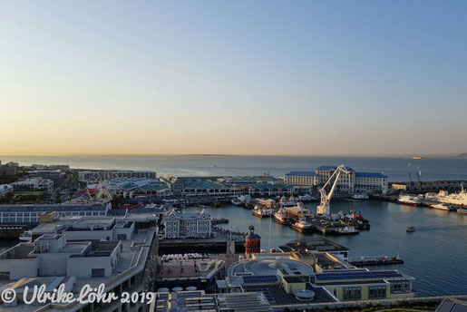Abendliche Stimmung über der Waterfront von Kapstadt