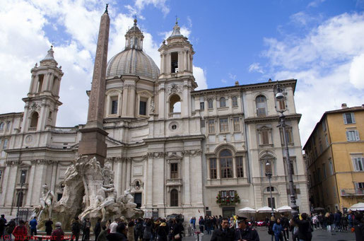 Piazza und Sant'Agnese in Agone